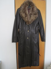 WARM Elegant Womens long leather winter coat with fur collar